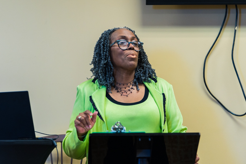 Rhonda Green teaching a My Exit Plan seminar